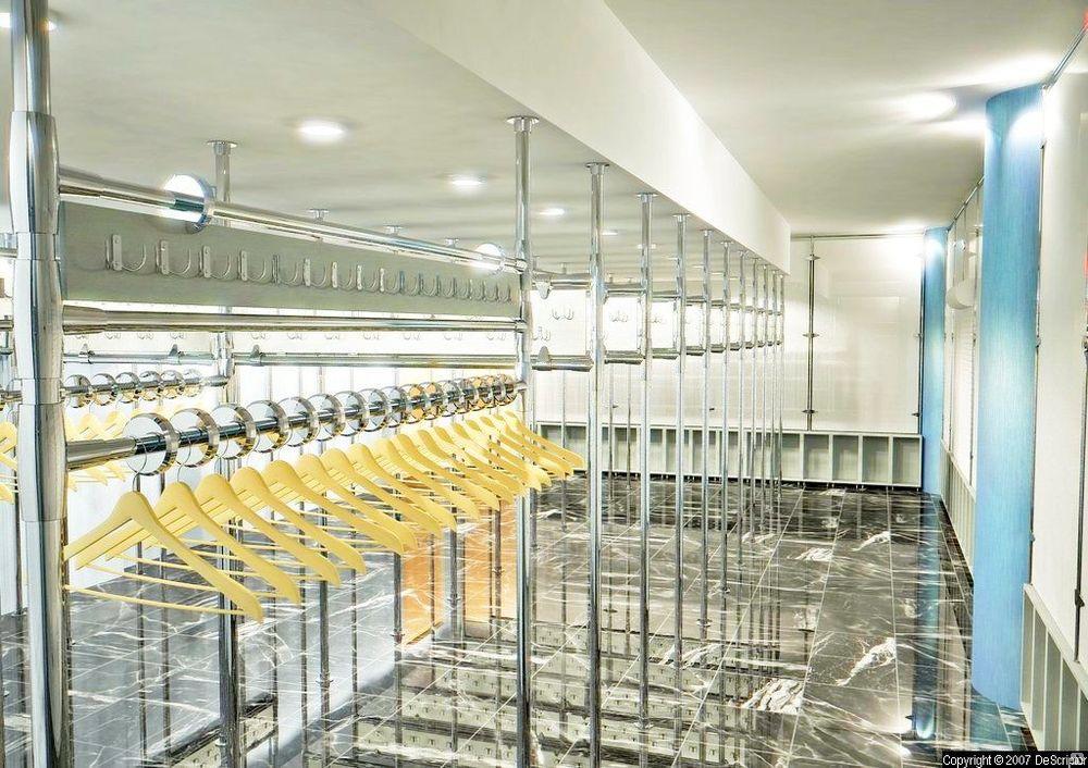 Гардеробные системы - оборудование гардероба для музеев.